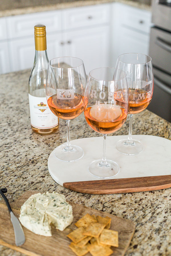 Kendall-Jackson-Wines-DIY-Personalized-Wine-Glasses-rosé-cheese-crackers