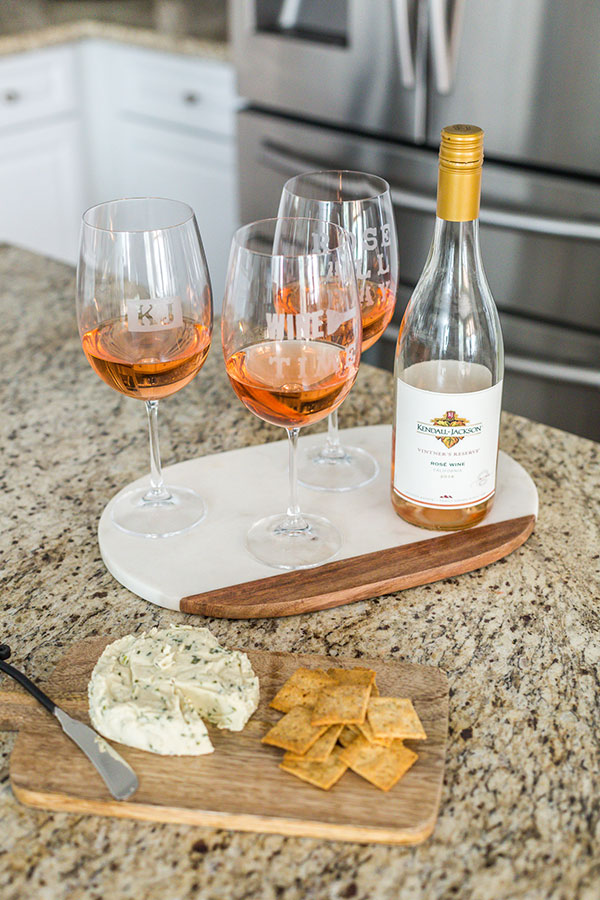 Kendall-Jackson-Wines-DIY-Personalized-Wine-Glasses-bottle-rosé-cheese-crackers