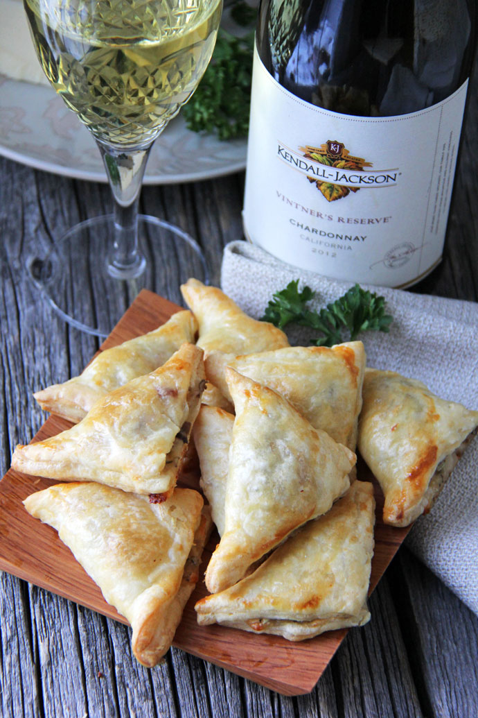Mushroom, Herb & Gruyere Cheese Mini Turnovers #Recipe