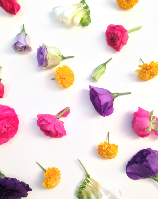 Gifts are great and flowers are great so how about combining them to make a handmade flower crown gift? #DIY