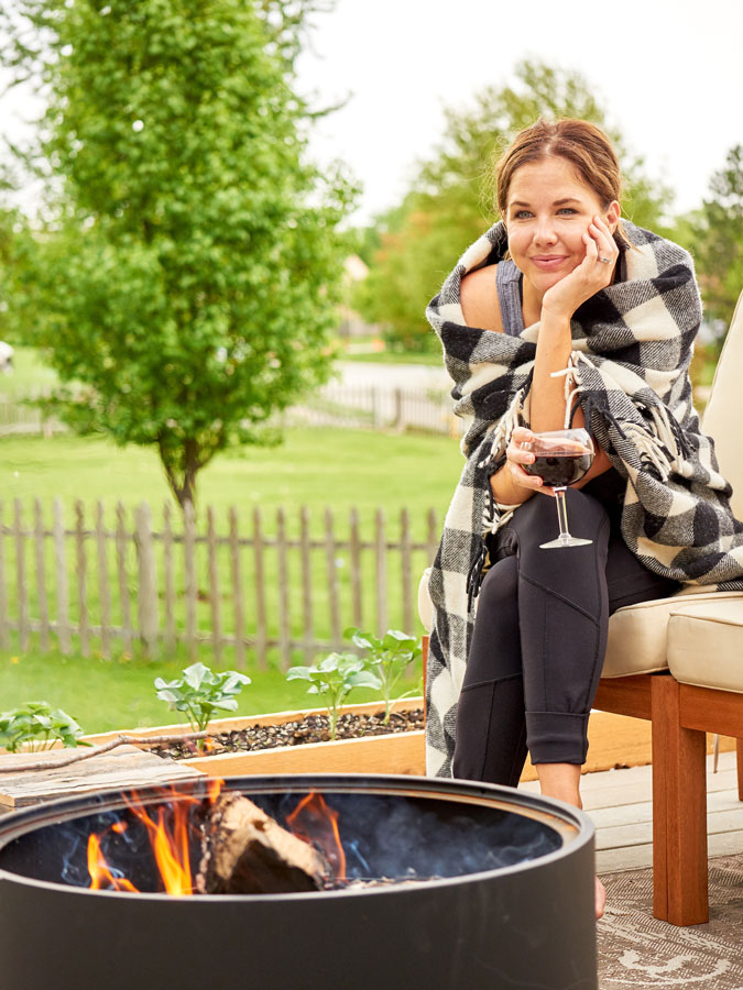 Campfire treats are one of my favorite summer indulgences, but the same old s'mores combination can get a bit tiresome, yes? We recently jazzed up the traditional s'more recipe with a fresh and savory alternative from the garden - perfect for breakfast, lunch or a late-night snack!