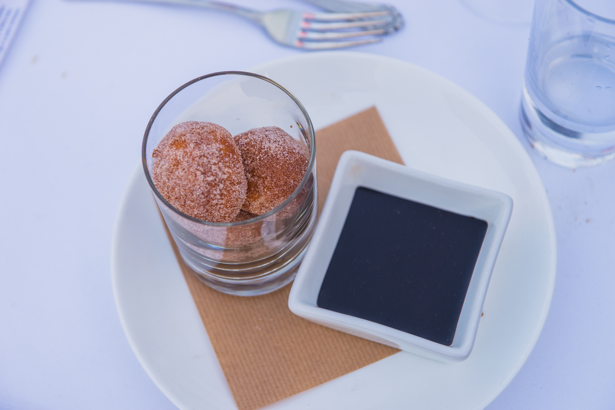 To finish the night, we served a dessert that literally makes us smile just thinking about it –warm doughnuts & chocolate dipping sauce paired with our K-J AVANT Red Blend. The rich, silky and smooth Merlot-based blend highlights the sweet and savory flavors of the dessert. #KJxTEGWineNights