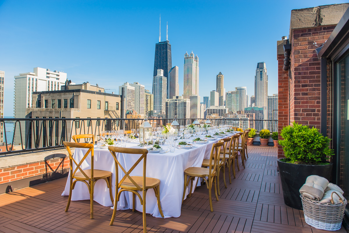 To celebrate the start of summer (and our new Vintner's Reserve Pinot Gris), we partnered with Alaina Kaczmarski and Danielle Moss of The Everygirl to bring Sonoma Wine Country to the Windy City. #KJxTEGwinenights