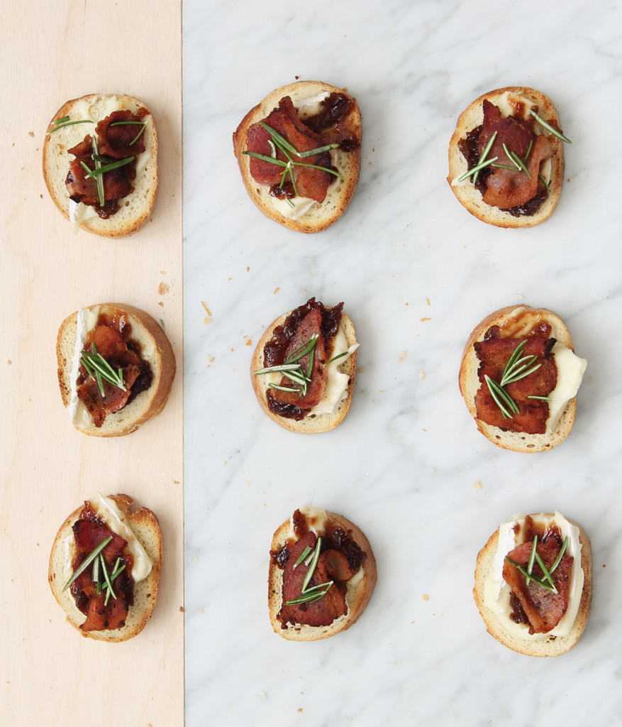 This Bacon, Fig & Brie Crostini is perfect for a little autumn get together with friends.