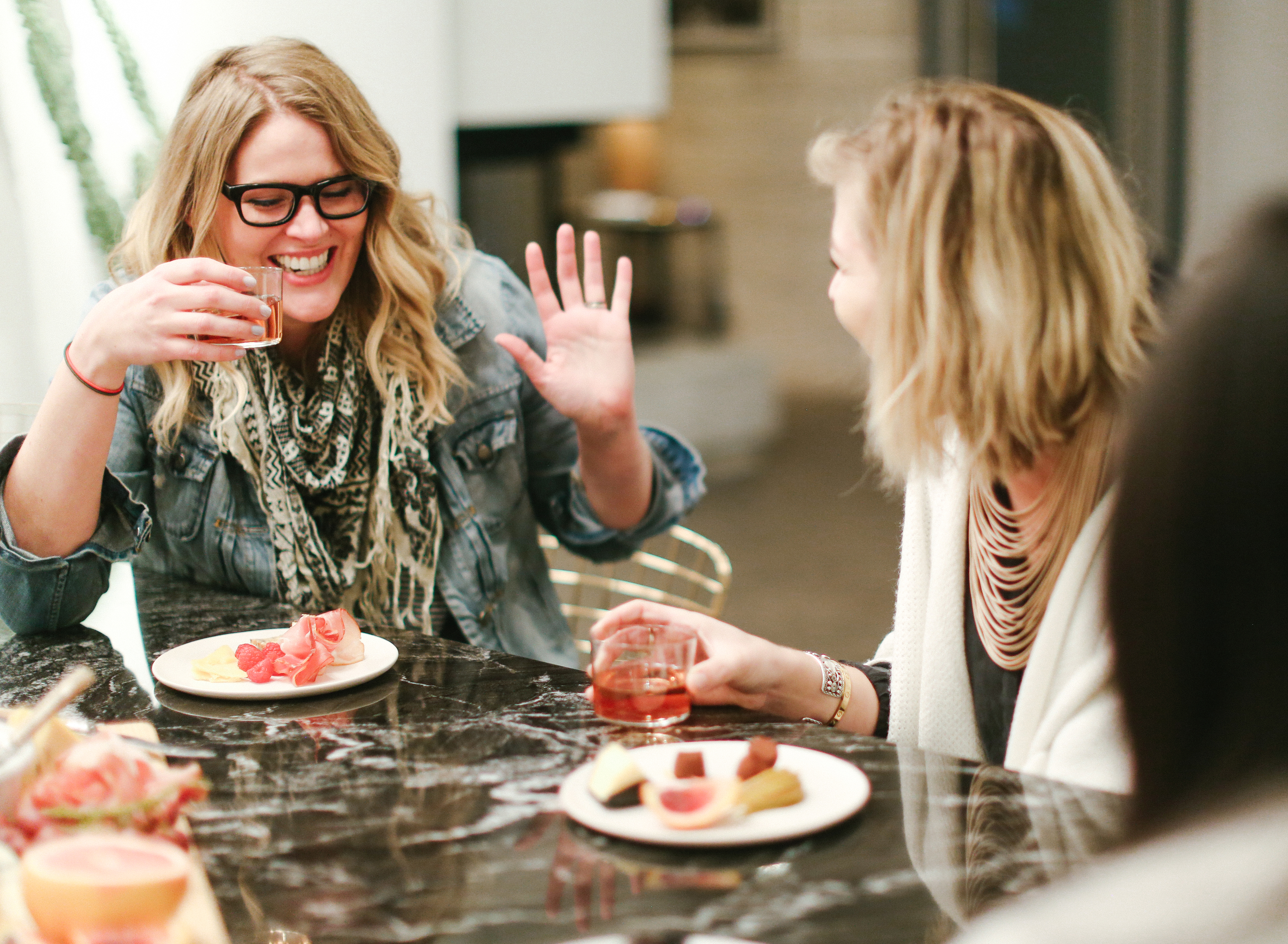 this year, we are switching things up & throwing a fun get-together that celebrates all the ladies in your life! No pressure, no weirdness, just lots of delicious wine, fabulous food, and the best friends. Who is in?! #ValentinesDay #GalentinesDay