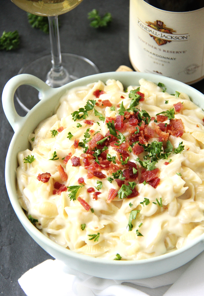 This pot of Three Cheese Bacon Mac & Cheese deliciousness would be great served with a glass of Kendall-Jackson Vintner's Reserve Chardonnay and an all green salad with a creamy avocado vinaigrette.  A perfect pot o' gold dinner for St. Patrick's Day!