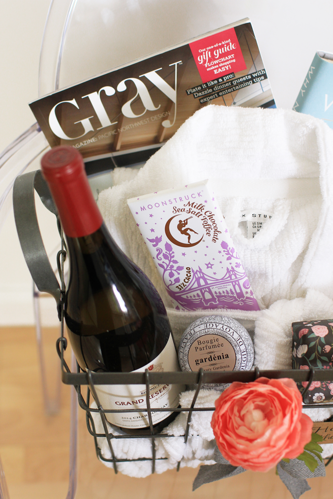 Bouquets and gift baskets are classic last-minute gifts, but they can also look a bit impersonal. On the other hand, a DIY Mother's Day gift basket that's tailored it to your mom's tastes will feel really special and thoughtful. #DIY #MothersDay