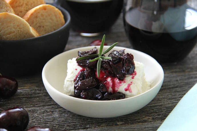 Serve this Cherry & Wine Compote with Goat Cheese appetizer with crackers or slices of baguette, and with a glass of your favorite red wine!