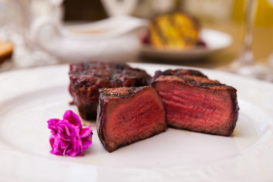 best-wine-with-steak-filet-mignon