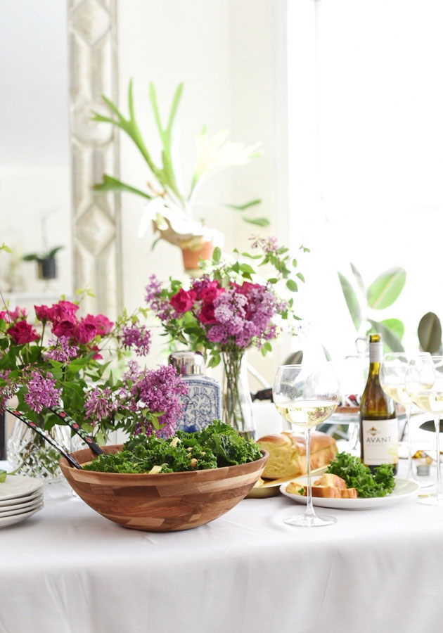 We are sharing foureasy tips on how tohost a stress-free housewarming party and how to have a blast in the process!