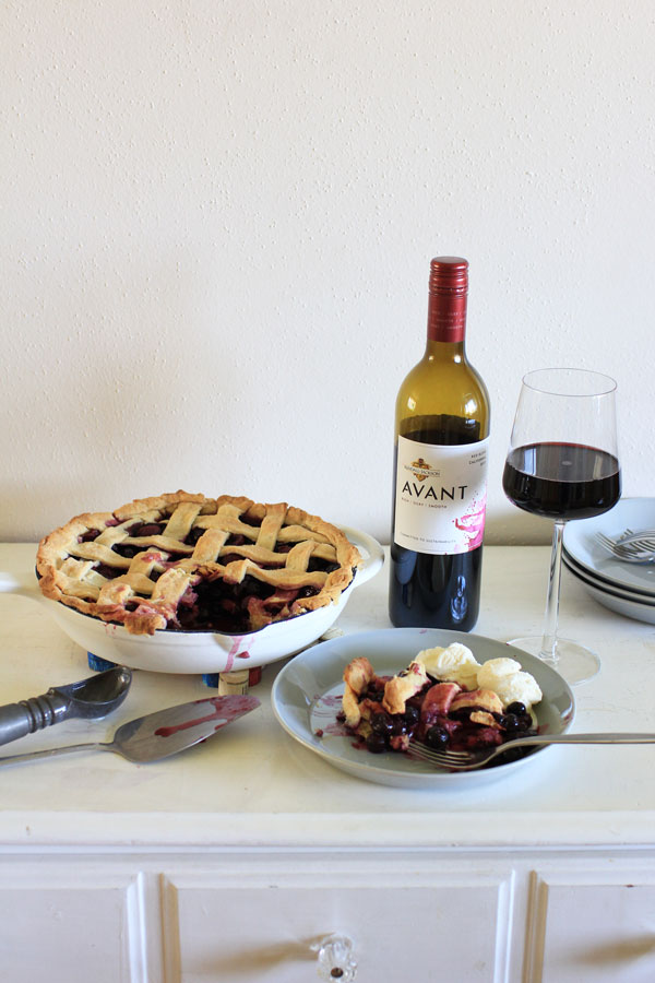 Celebrate 4th of July with this DIY Cork Star Trivet and Red Wine Blueberry Pie — something to make, and something to bake to celebrate Independence Day!