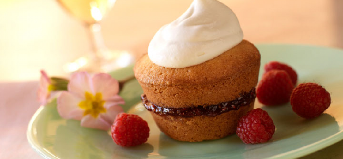 Almond Layer Cakes with Raspberries and Jam
