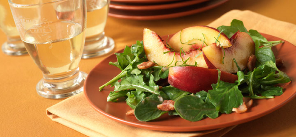 Peach Salad with Arugula, Bacon and Basil