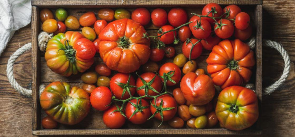 Heirloom tomatoes' unique flavors and sweet-tart balances can be a tricky with wine. Luckily, Kendall-Jackson's in-house sommelier Larry O'Brien is here to teach you how to pair heirloom tomatoes with wine.