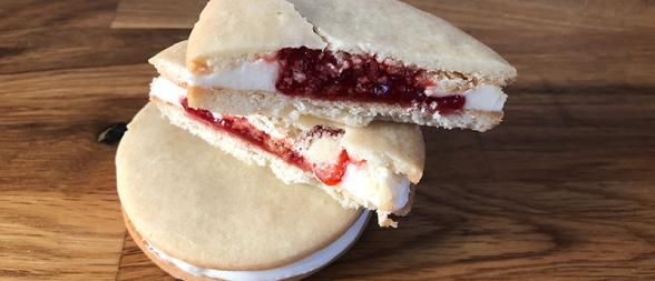 Strawberry Vanilla Cookie Sandwich
