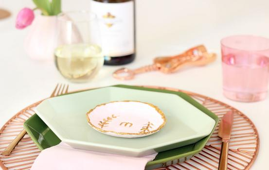 This adorable DIY clay dish place setting doubles as a place setting and a gift for your guest to bring home.