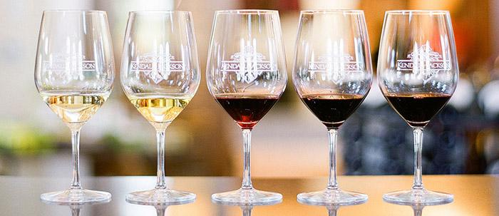 Choosing the correct glassware for serving wine